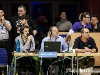 Hockeyradio-Kommentatoren Sören Wolke und Michael Knox, daneben Andreas Wille, Ansetzer der Damen-Bundesliga (v.l.n.r.)