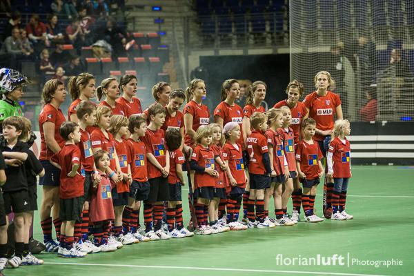 Die BHC-Damen um Rekordnationalspielerin und Fahnenträgerin von London 2012 Natascha Keller