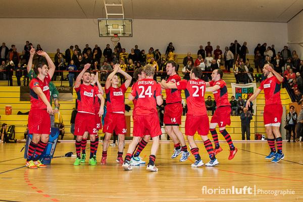 Freude beim siegreichen Berliner HC über den Einzug ins Halbfinale, welches am 08.02.2014 in Hamburg stattfindet.